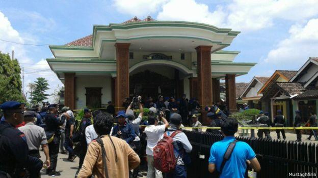 20 Warga Subang Jadi Murid Padepokan Dimas Kanjeng