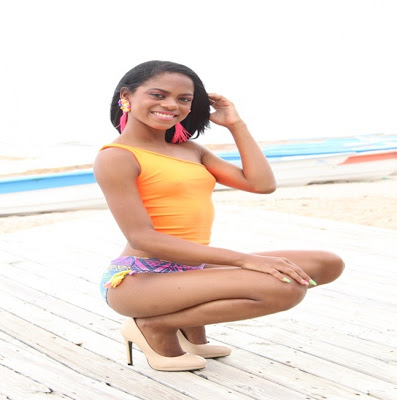 BARAHONA: Arisleyda al desnudo en balneario Los Patos entre agua salada, dulce y altura para conjugar la naturaleza