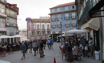 Largo de São Domingos no Porto