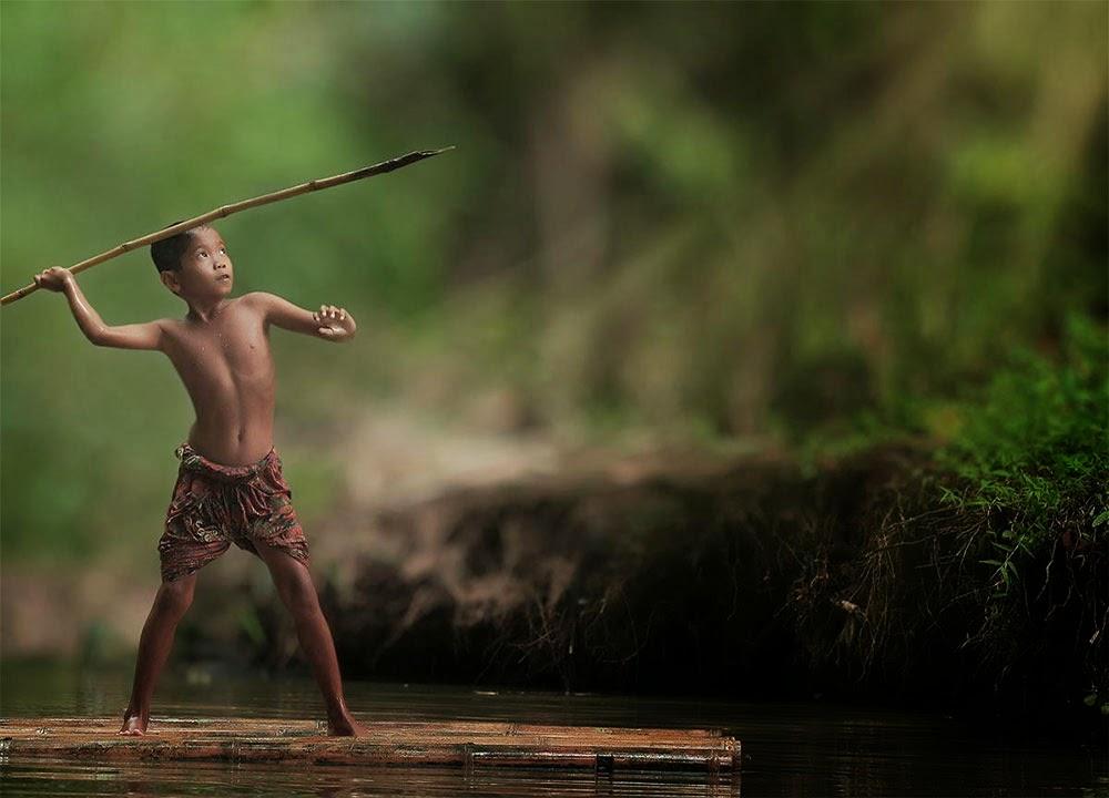 La vida simple de un pueblo indonesio en las fotografías de Herman Damara.