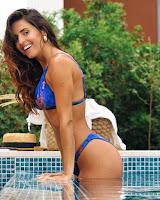 Catarina Gouveia de bikini