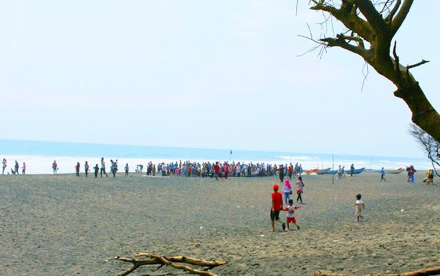 Piknik Ke Pantai Goa Cemara, Bantul, Yogyakarta