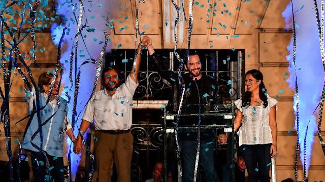 El 'tsunami Bukele' arrasa en El Salvador y se convierte en el presidente más joven de la región