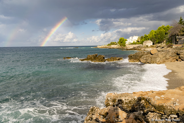 Playa de Dhërmi, arco iris - Himara, Albania por El Guisante Verde Project