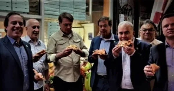Πρόεδρος της Βραζιλίας Ζ.Μπολσονάρου: Καλύτερα πίτσα στο χέρι στο πεζοδρόμιο παρά εμβολιασμός και πολυτελή restaurant!