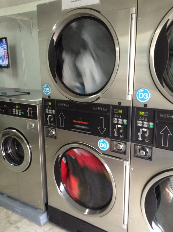 Xtns blog labarya do it yourself laundry can fit into just one dryer a 20 minute cycle costs p60 and the 30 minute cycle costs p90 the dryers are pretty efficient because after a 30 minute solutioingenieria