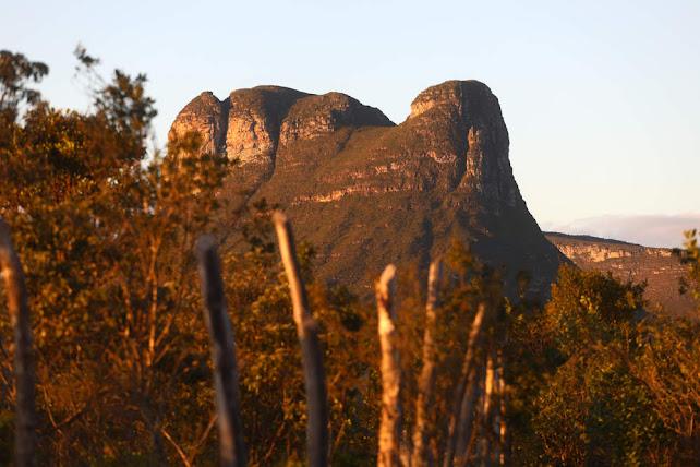 Paisagens na trilha da Cachoeira do Riachinho no Vale do Capão - Palmeiras (Foto Reprodução/www.melhoresdestinos.com.br)