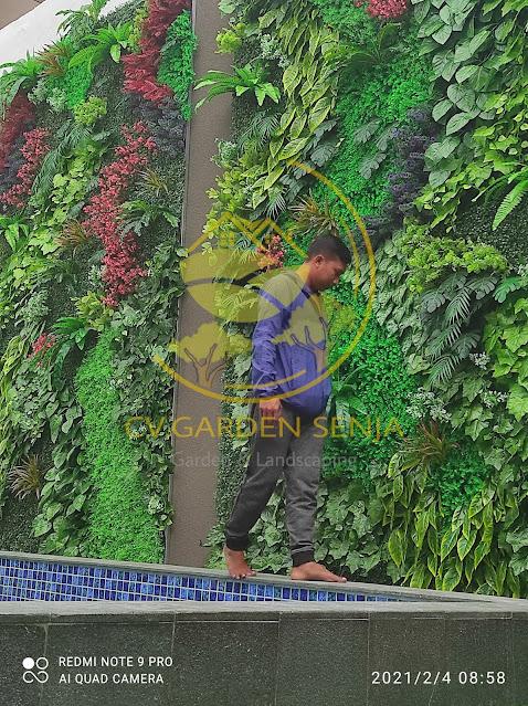 Tukang taman vertikal rembang