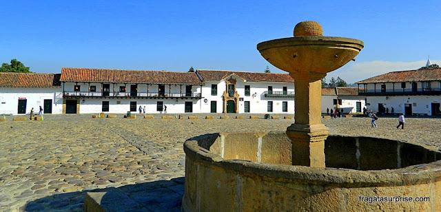 Fonte na Plaza Mayor de Villa de Leyva, Colômbia