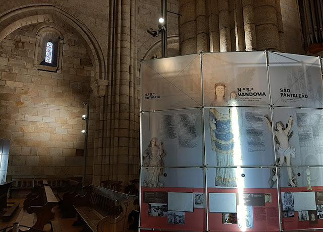 painel sobre os santos da Sé Catedral do Porto
