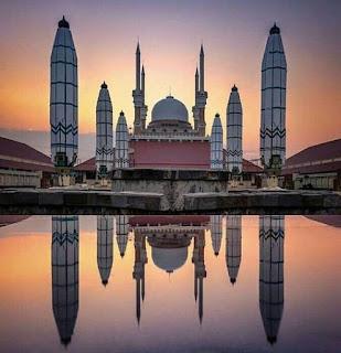 Foto waktu sore di Masjid Agung di Jawa Tengah