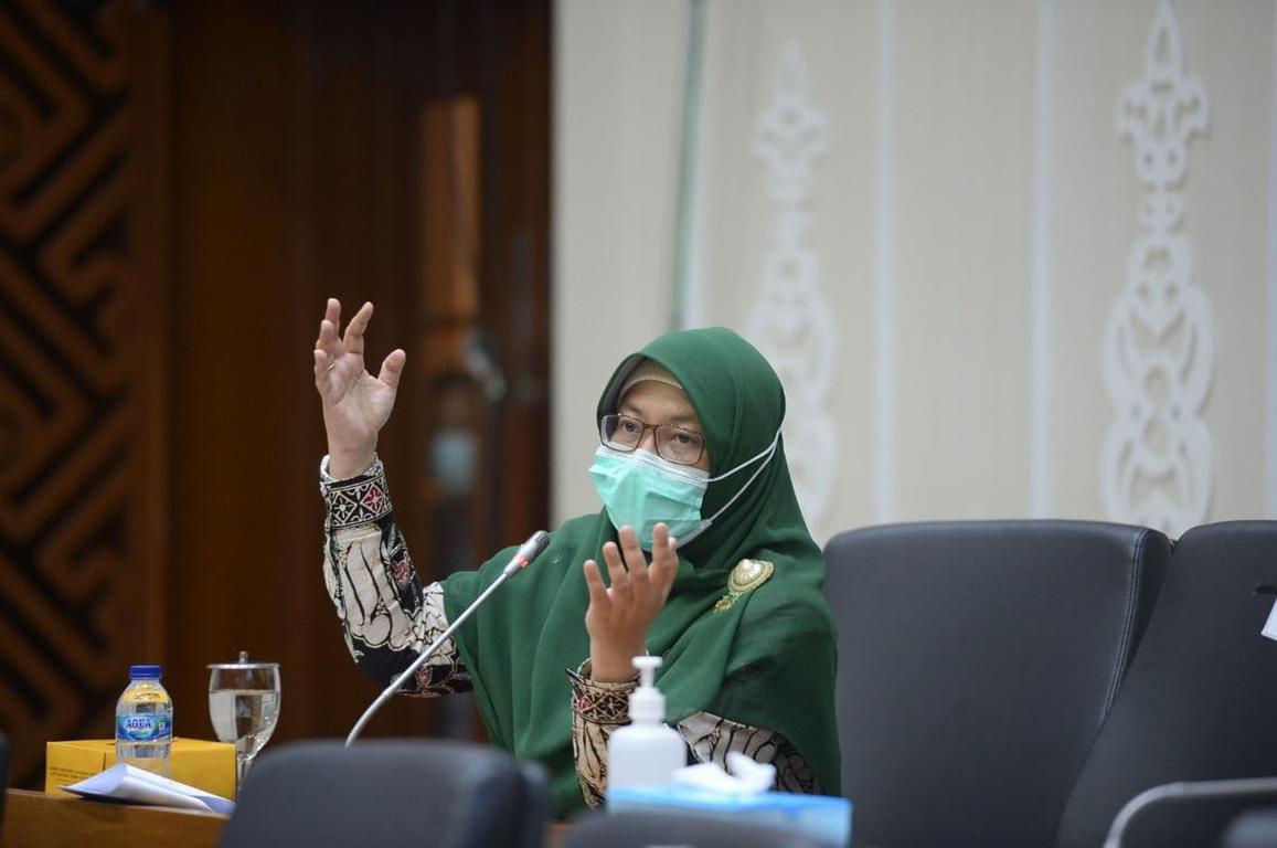 Tiga Pukulan PKS Pada Kemendikbud Terkait Dana Bos