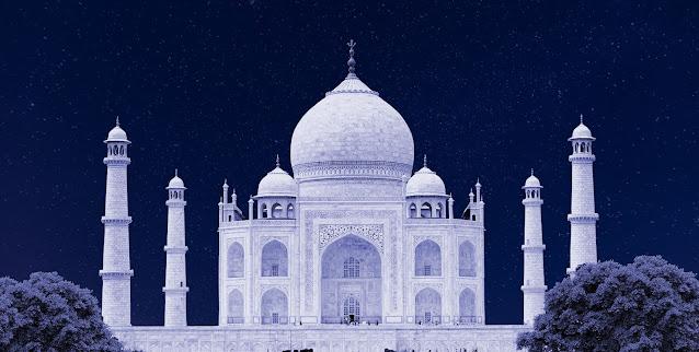 The Taj Mahal, a World Wonder on the Basis of Love Evidence