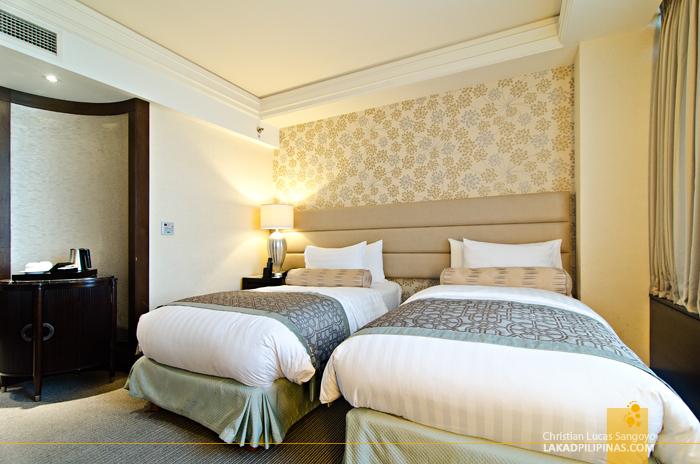 Crimson Hotel Alabang Deluxe Room