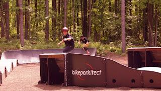 フォレストアドベンチャーで大自然スケートボーディング