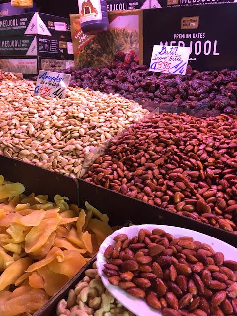 noten op de markt in Malaga: Mercado Atarazanas