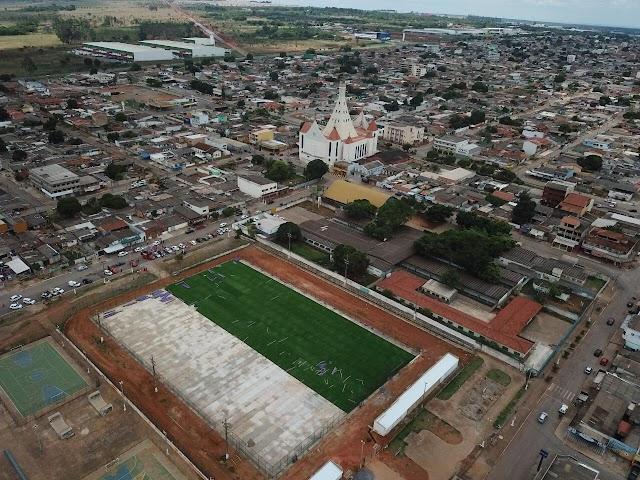 Primeiro campo público sintético já é uma realidade em Valparaíso de Goiás-GO