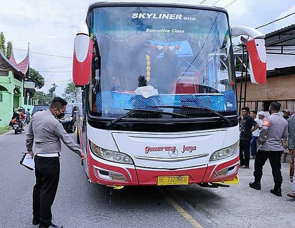 Tabrakan Maut Bus Gumarang, Menewaskan Tiga Siswa Sekolah Dasar