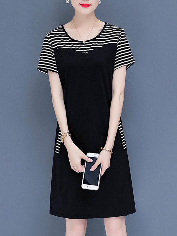 Vestido Preto com Bolso