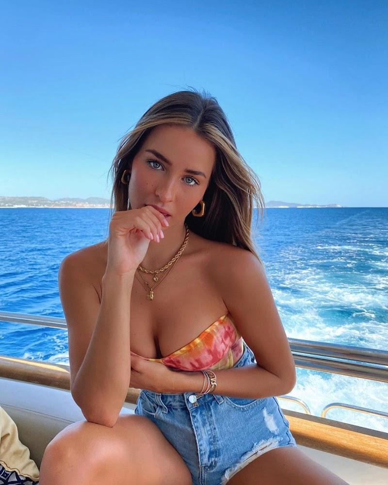 Madi Edwards Clicked in Bikini – Instagram Photos  8 Nov-2020