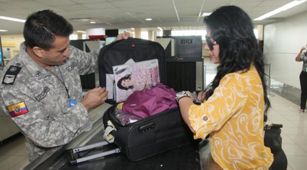 Artículos que el viajero puede ingresar a Ecuador vía aérea sin pagar