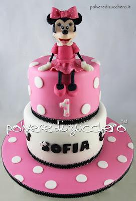 torta decorata pasta di zucchero cake design polvere di zucchero minnie disney tridimensionale cake art