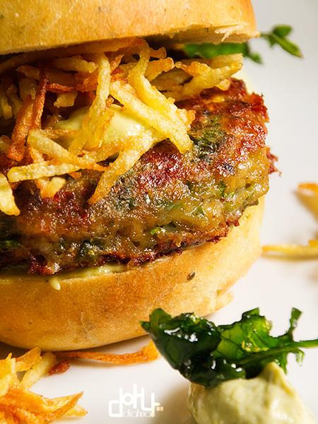 La mejor hamburguesa de bimi con pan también de bimi