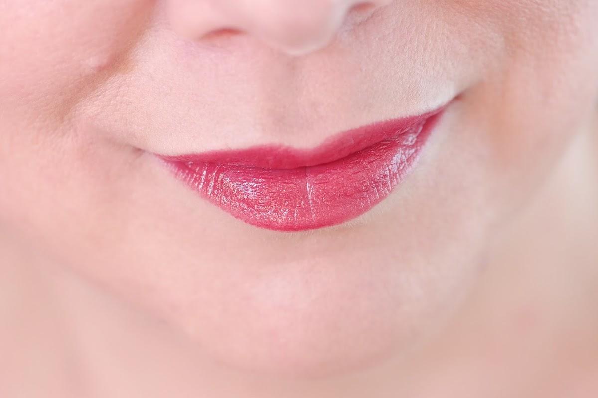 Kirschroter Lippenstift
