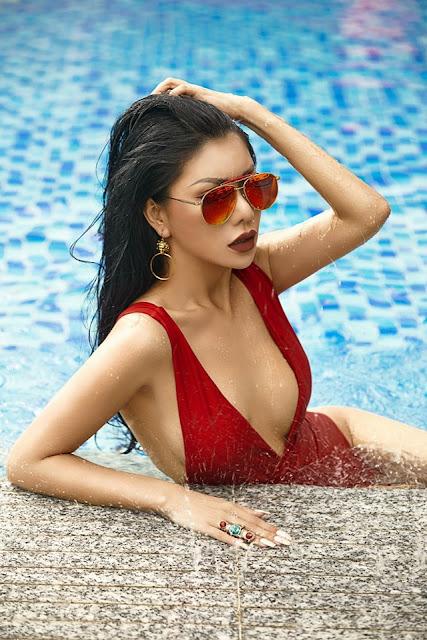 Ảnh nude hoa hậu Loan Vương khoe vóc dáng 2
