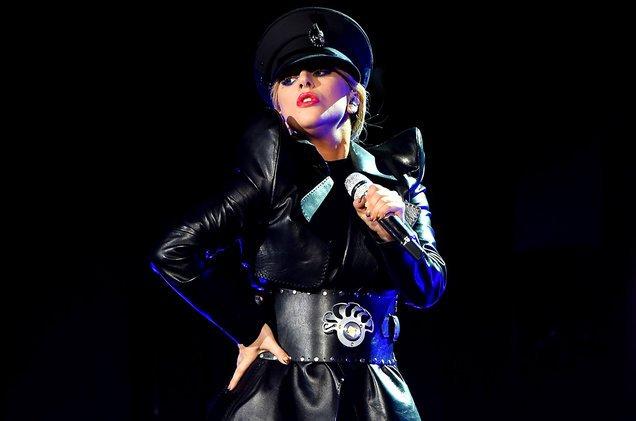 """Lady Gaga rompe nuevo récord con """"The Cure"""""""