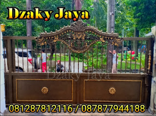 PIntu pagar rumah mewah klasik Jakarta Timur