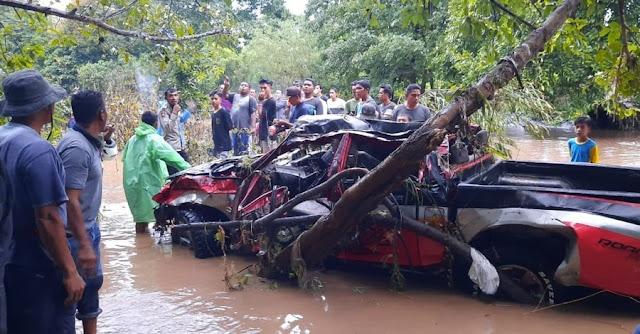 Mantan Kades di NTB Hilang Terseret Banjir Beserta Mobilnya Saat Melintas