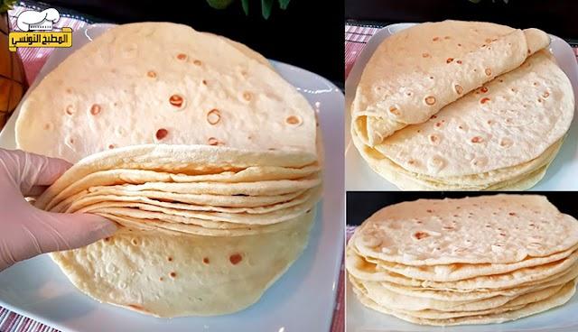 خبز التورتيلا و الشاورما