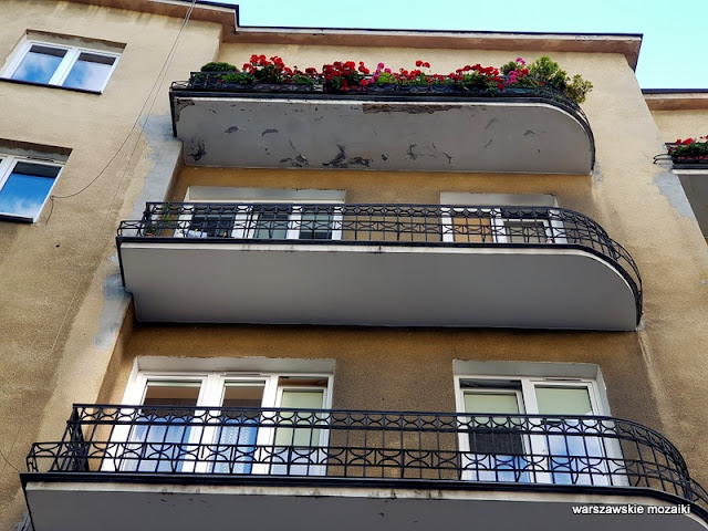 Warszawa Warsaw architektura architecture kamienica Ochota Stara Ochota balkony
