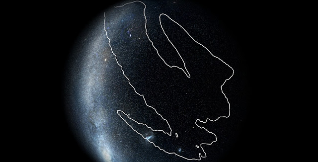 LIGO and Virgo team members estimate that the candidate gravitational signal referred to as S190425z originated from the region outlined on the sky map. The signal likely came from two colliding neutron stars. Because only LIGO Livingston and Virgo saw the signal (LIGO Hanford was offline at the time), its localization was not very precise, covering about 18 percent of the sky. Image: LIGO/Virgo/NASA/Leo Singer (Milky Way image: Axel Mellinger)