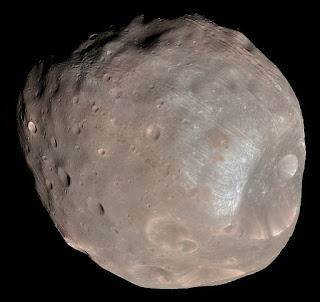Colour image of Phobos (MRO, 23 March 2008)