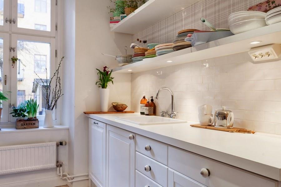 Cudowne, białe mieszkanko z pastelowymi i szarymi dodatkami, wystrój wnętrz, wnętrza, urządzanie domu, dekoracje wnętrz, aranżacja wnętrz, inspiracje wnętrz,interior design , dom i wnętrze, aranżacja mieszkania, modne wnętrza, białe wnętrza, styl skandynawski, scandinavian style, biała kuchnia, skandynawska kuchnia, kitchen, projekt kuchni