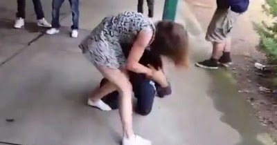 CANDOUR: Dramatic Video Shows Girl Savagely Beating Boy Silly at School