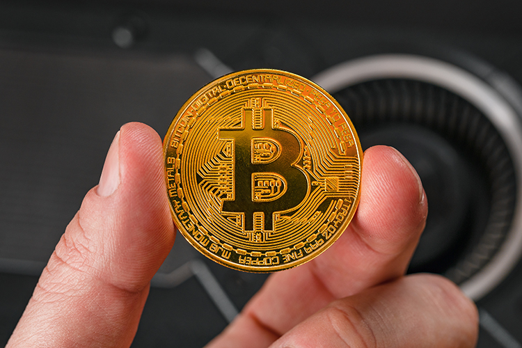 Is it true that now it is the turn of Indian investors to face a ban on bitcoins after the ban in Turkey