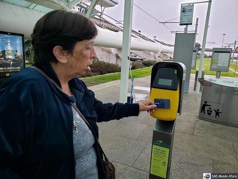 Usando o Porto Card no transporte público
