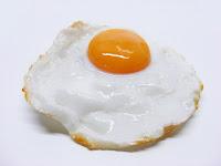 Pourquoi je ne mange JAMAIS de blancs d'œufs seuls