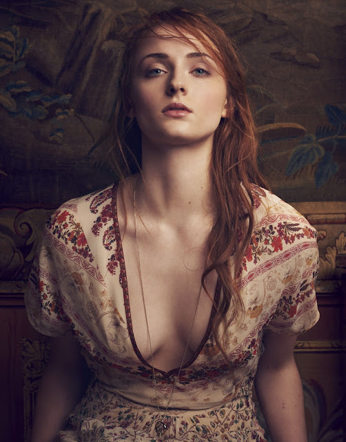 Sophie Turner Hot Pics and Bio
