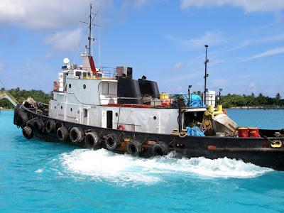 Tugboat in Nassau harbour