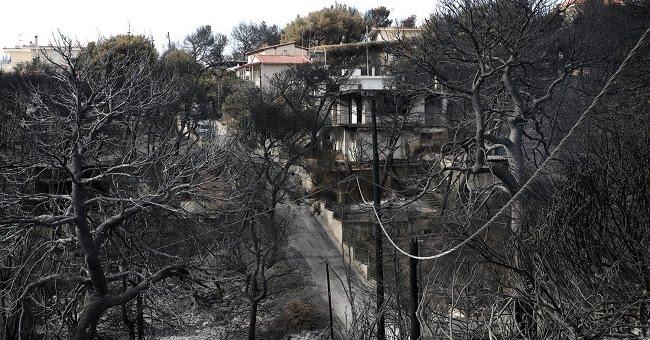 Η πρώτη αγωγή για τη φωτιά στο Μάτι - Συγγενείς 70χρόνου που απανθρακώθηκε ζητούν 1,4 εκατ. ευρώ από το Δημόσιο