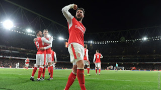 WATCH: Olivier Giroud Dishes Out Boxing Day Present