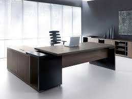 meja kayu dan aluminium