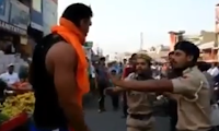 La polizia fa incazzare a Golia