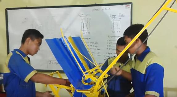 siswa-smk-di-indramayu-ciptakan-teknologi-tepat-guna-mesin-tanam-padi