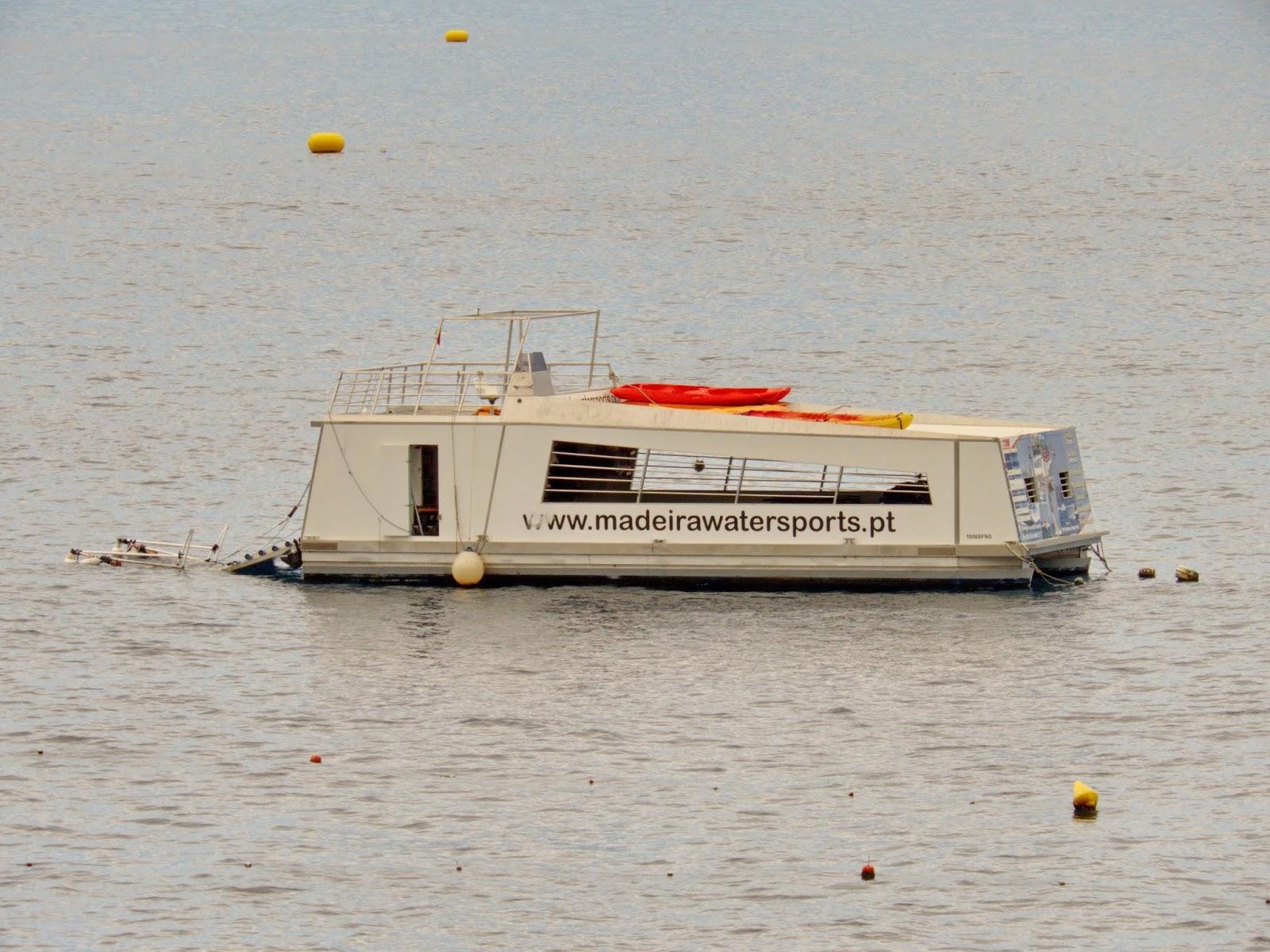 o barco transportador