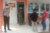 Di Tengah Pandemi TNI-POLRI Berikan Pengamanan Pembagian Uang BST Di Kantor Pos Menjalin